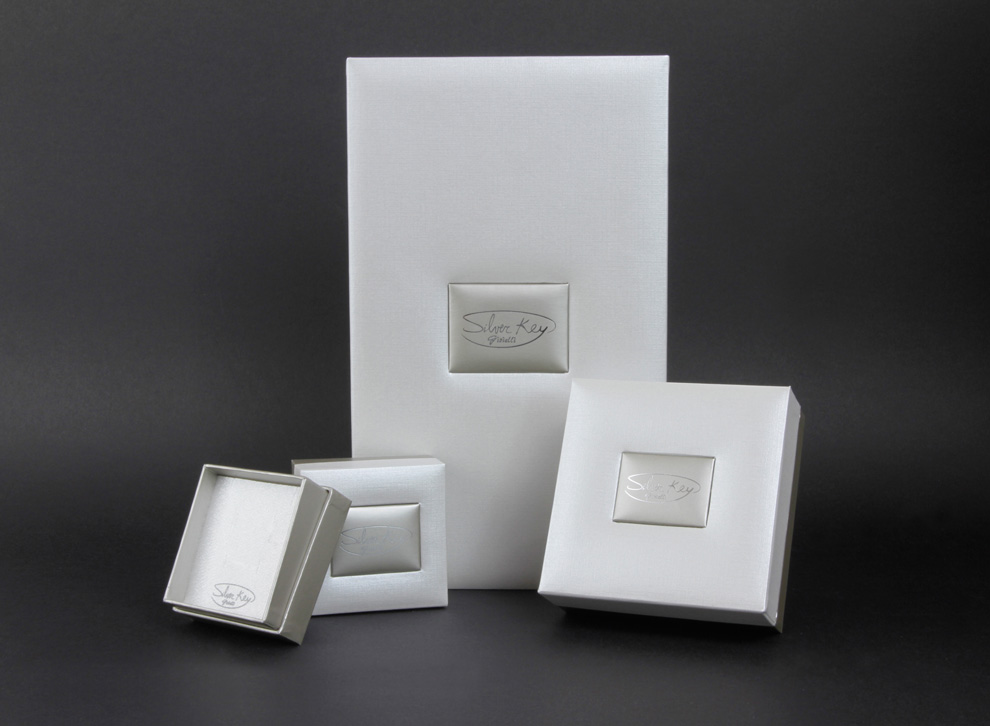 silver packaging